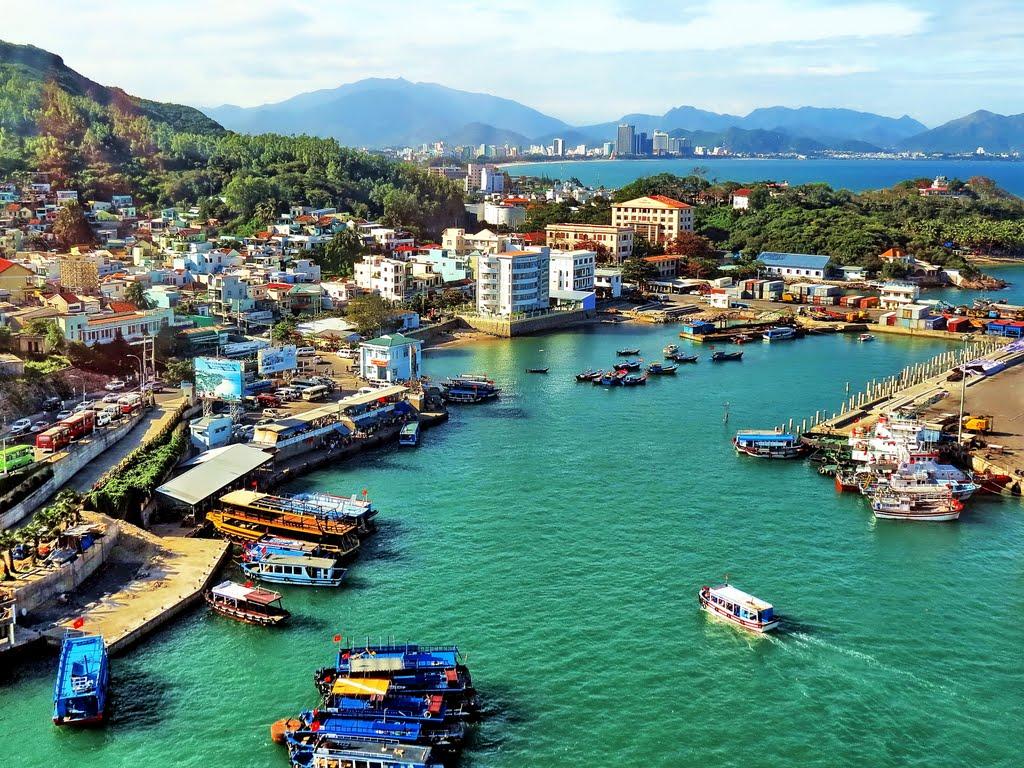 Cảng Cầu Đá - chuyến du lịch Nha Trang 2N3D cùng Vinatravel