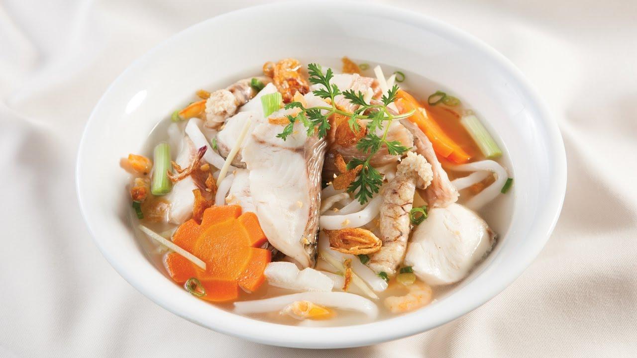 du lịch Vinatravel - Bánh canh cá lóc đặc sản Quảng Bình