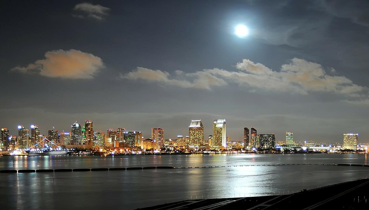 Du lịch bờ Tây nước Mỹ - thành phố San Diego lung linh trong đêm