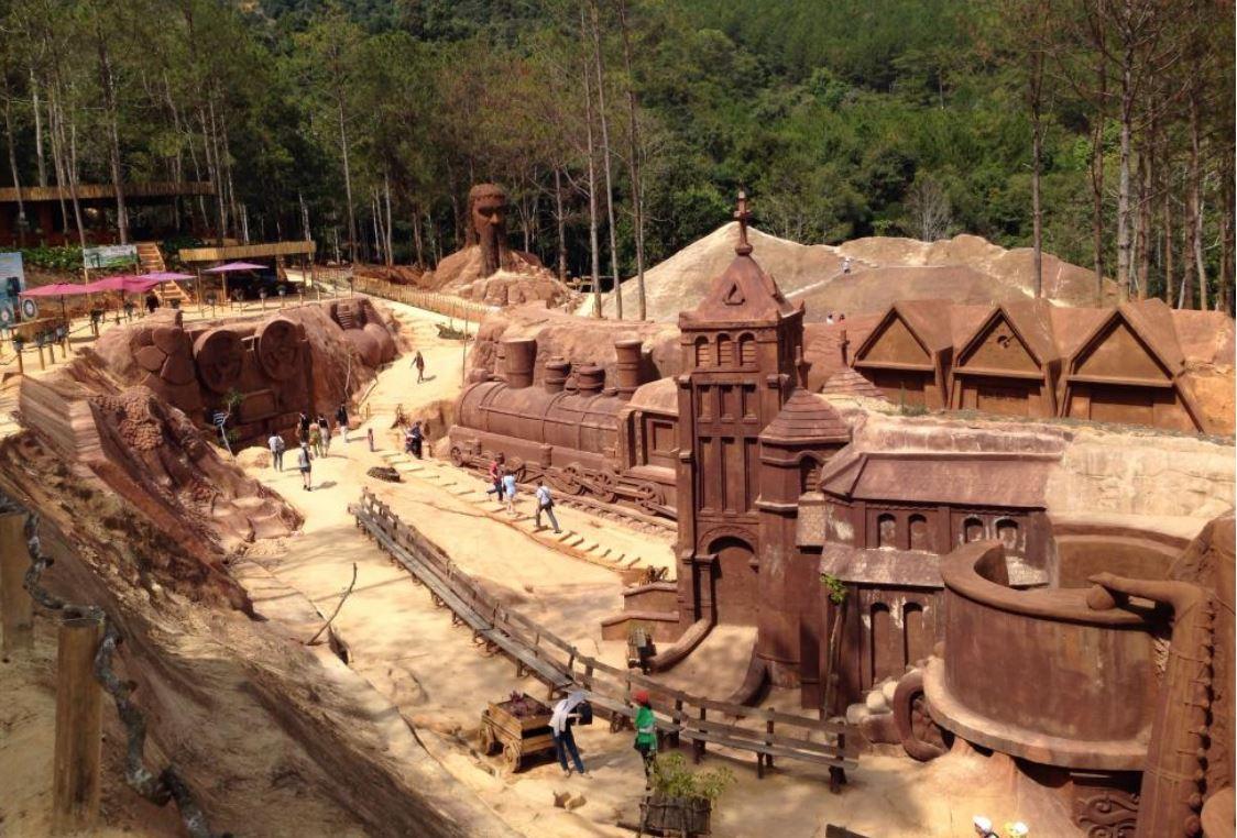 Tham quan đường hầm đất sét tại Đà Lạt cùng công ty du lịch Vinatravel