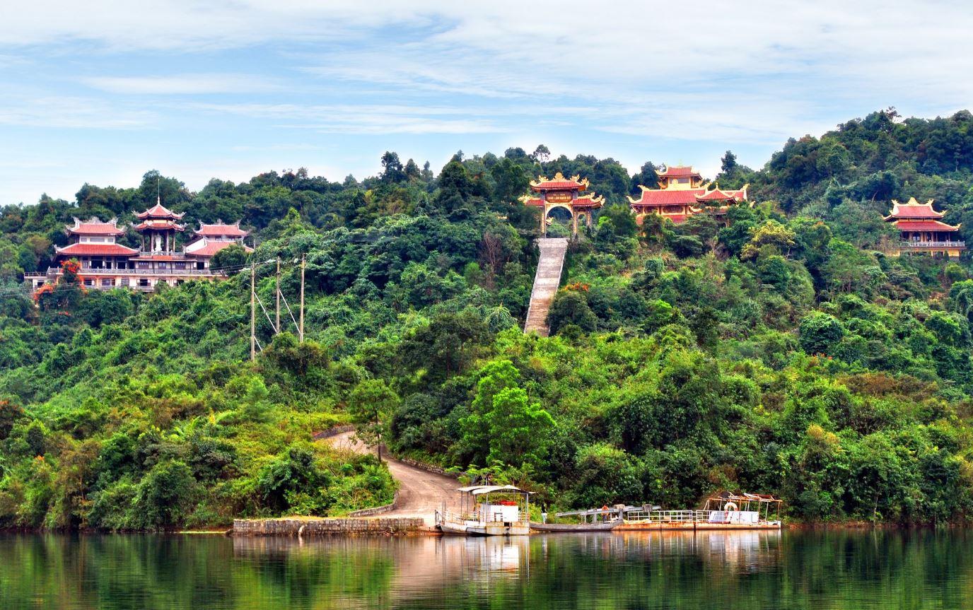 Thiền viện trúc lâm-Tour du lịch Đà Lạt giá rẻ cua vinatravel