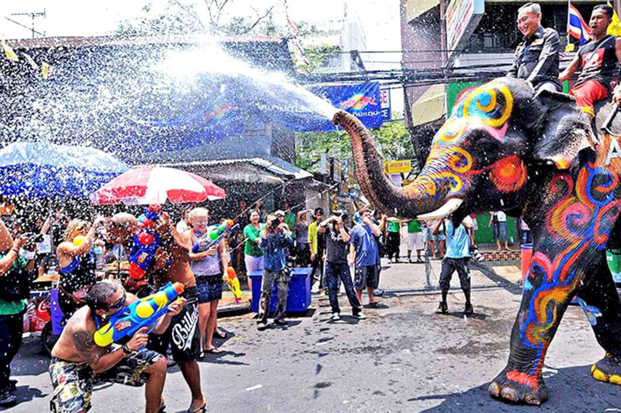 Khám phá những mùa lễ hội trong năm của Thái Lan - Lễ hội té nước SongKran