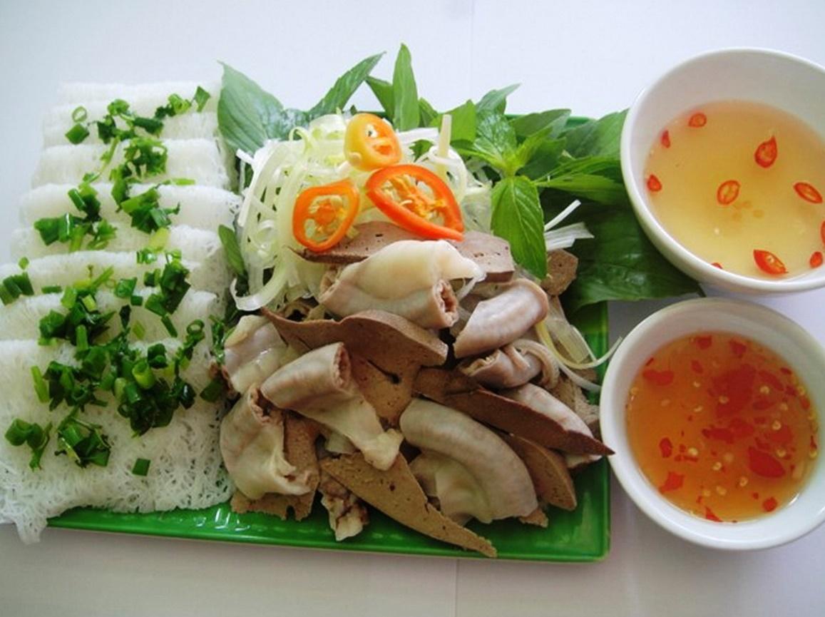 Bánh hỏi lòng heo - ẩm thực Ninh Thuận trong tour Ninh Chữ 2N1D cùng Vinatravel