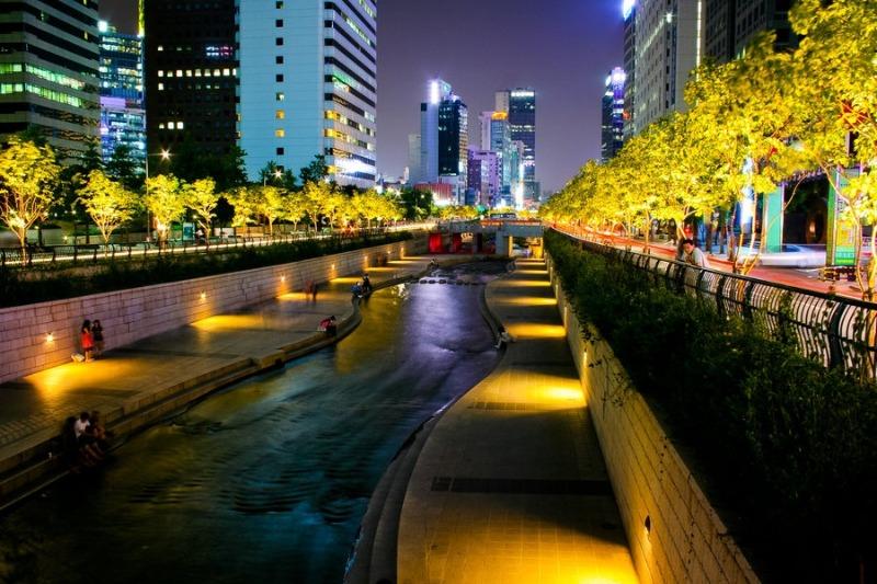 Dòng sông thơ mộng vắt qua lòng thành phố - Những địa điểm check in siêu xịn ở Seoul