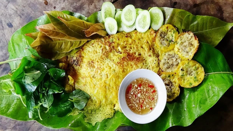 Bánh xèo ốc gạo - Vinatravel