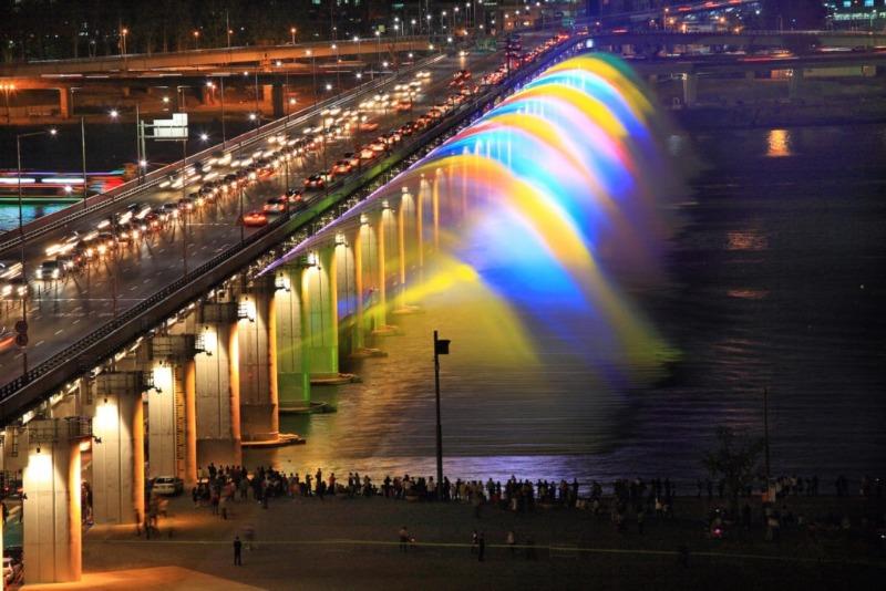 Sức hút của chiếc cầu thiên đường khiến không ít người phải ngẩn ngơ những địa điểm check in siêu xịn ở Seoul