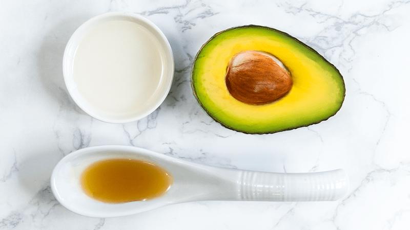 Bơ có nhiều dưỡng chất giúp dưỡng ẩm da tự nhiên - chăm sóc da mùa đông