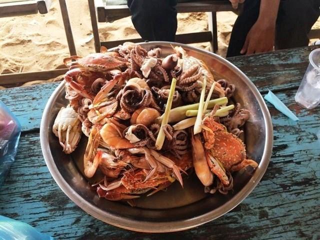 Hải sản tươi sống - Tour du lịch Long Hải
