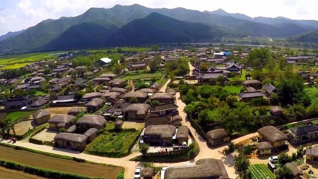 Ngôi làng yên bình giữa thiên nhiên đất trời muôn màu vạn vẻ ngôi làng cổ Hàn Quốc