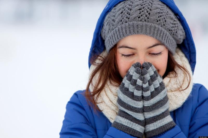 Che chắn những vùng da nhạy cảm để giữ ẩm cho da - chăm sóc da mùa đông