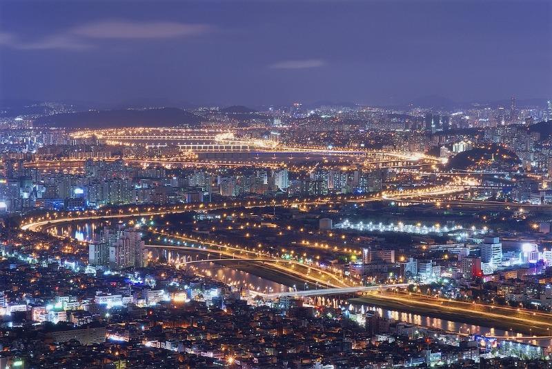 Sông Hàn nghiêng nghiêng mơ mộng giữa lòng thành phố Seoul