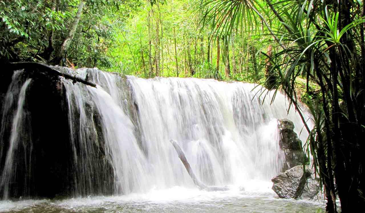 suối-tranh-du-lịch-Phú-Quốc