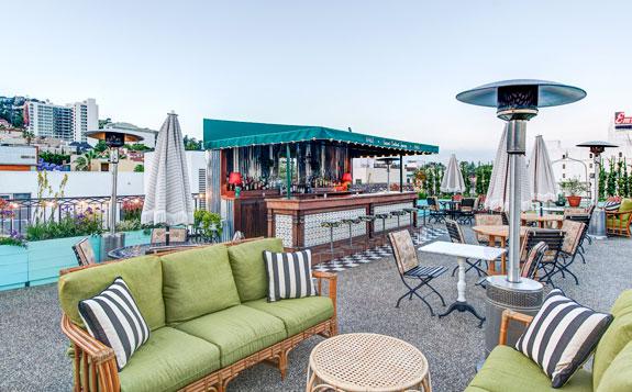 Sky bar với phong cách mùa hè trẻ trung Sky bar cực hot tại Los Angeles