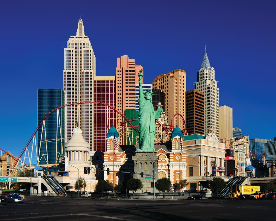 Tàu lượn đưa chúng ta chinh phục một vùng trời Vegas