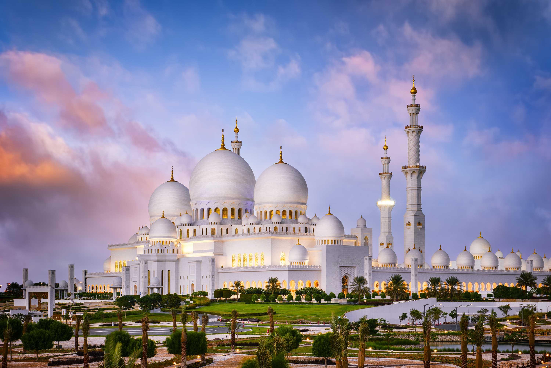 Thánh đường Dubai lớn như cung điện này lung linh ở mọi góc
