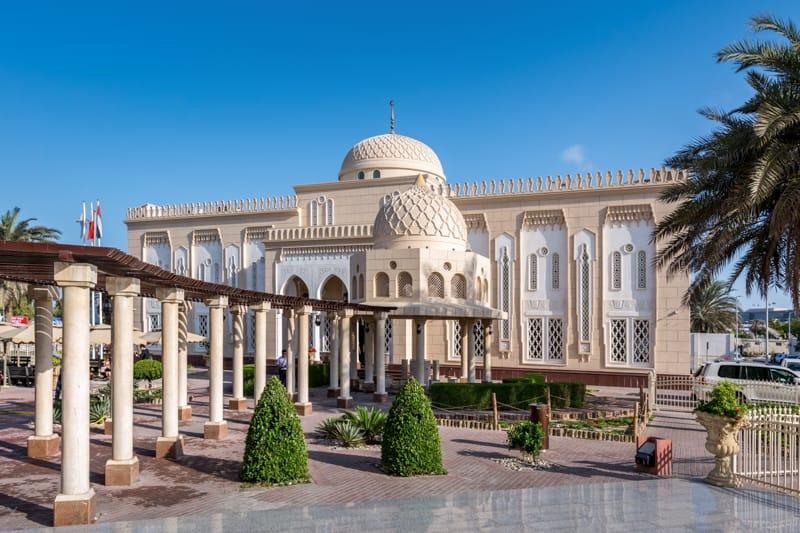 Thánh đường xinh đẹp như một cung điện thu nhỏ thánh đường Dubai