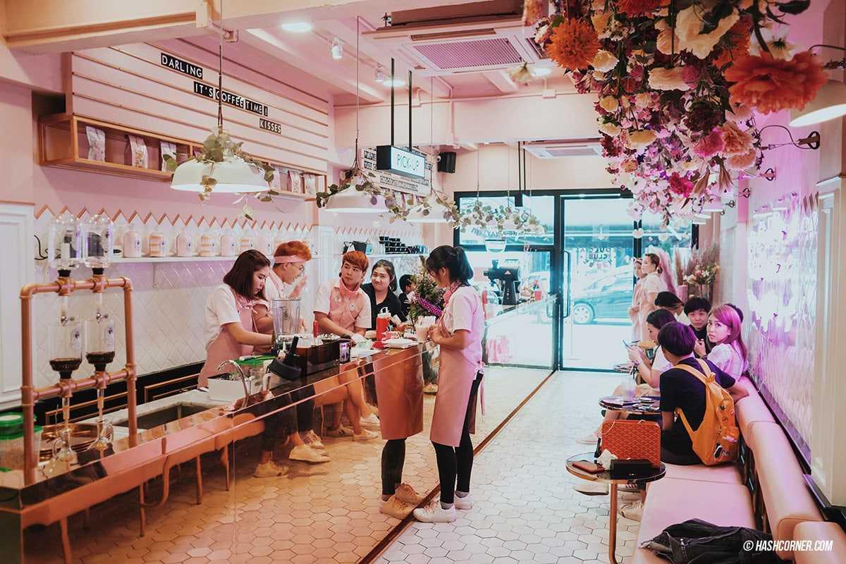 Nhộn nhịp, náo nhiệt như Seoul luôn nhé quán cà phê Bangkok siêu xinh