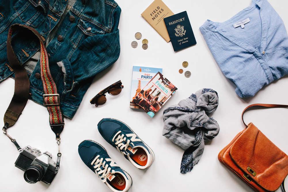 Phụ kiện du lịch độc đáo là những thứ làm cuộc hành trình nhiều sắc màu hơn