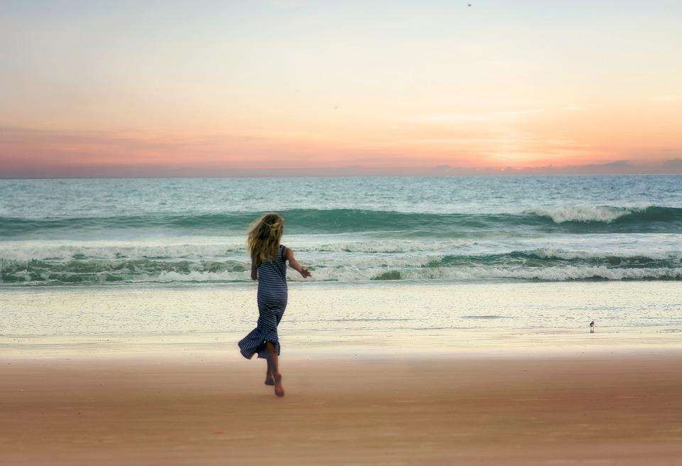Hoàng hôn trên bãi biển xinh đẹp - nên du lịch nước Mỹ mùa nào