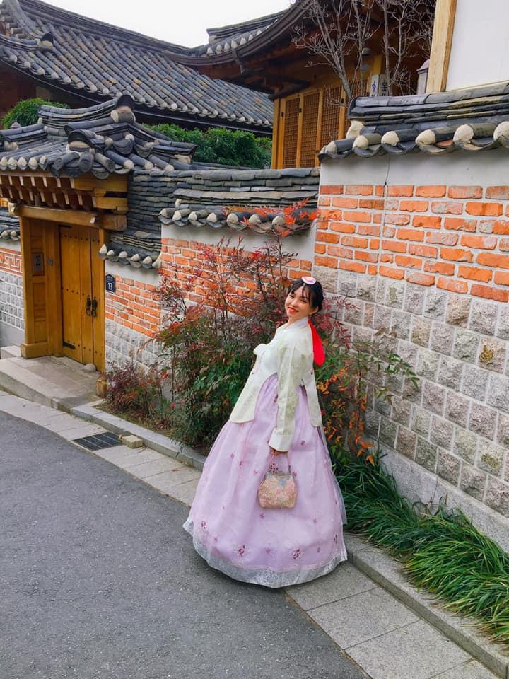 Xúng xính hanbok đi khắp hoàng cung review du lịch Hàn Quốc