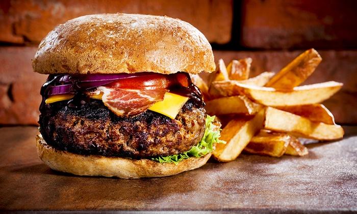 Hamburger là món ăn nổi tiếng thơm ngon mà bạn nhất định phải thử trên đất Mỹ